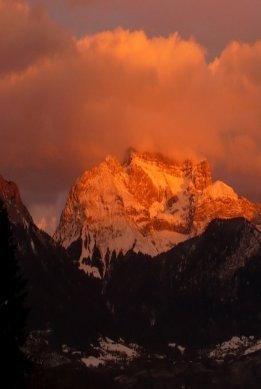 Beautiful Sunset Setting over the Mountains