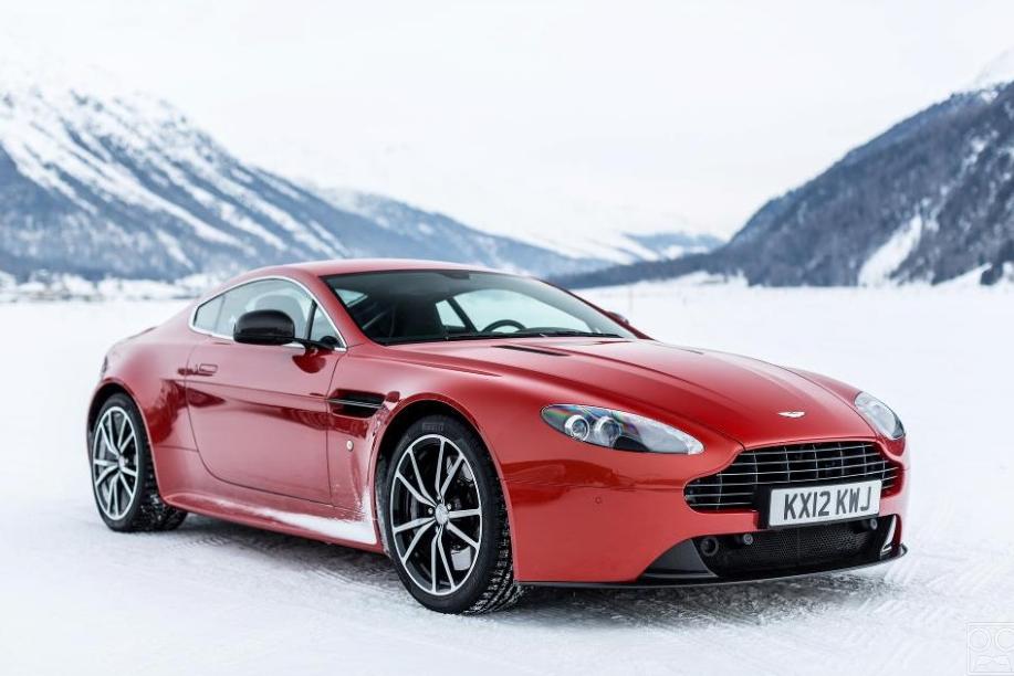 Aston Martin On Ice  19 HQ Photos    The Roosevelts